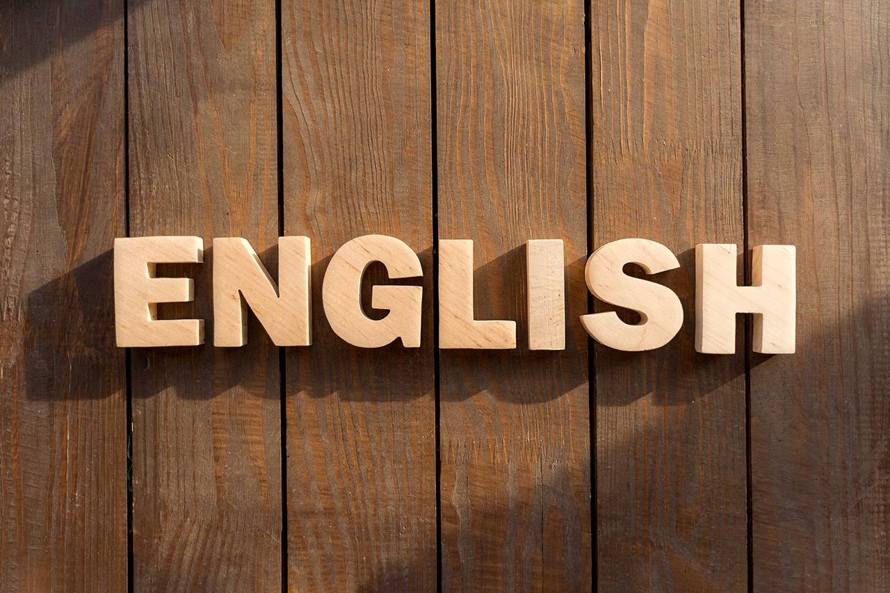 社内の言語がバラバラ!コミュニケーションをとるにはどうすればいい?